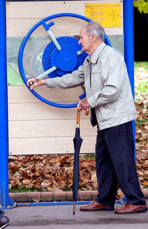 Actividades de mantenimiento para mayores en Vizcaya. EFE/LUIS TEJIDO