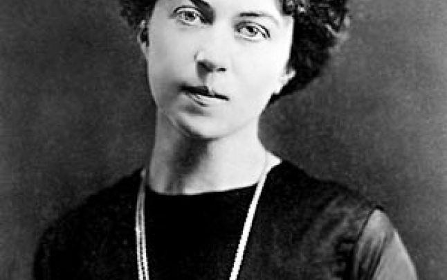 Alejandra Kollontai, pionera de los derechos de la mujer