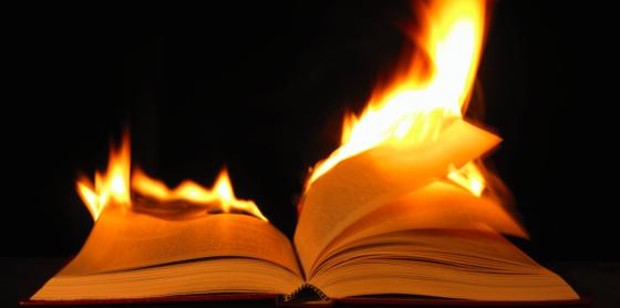 libro ardiendo