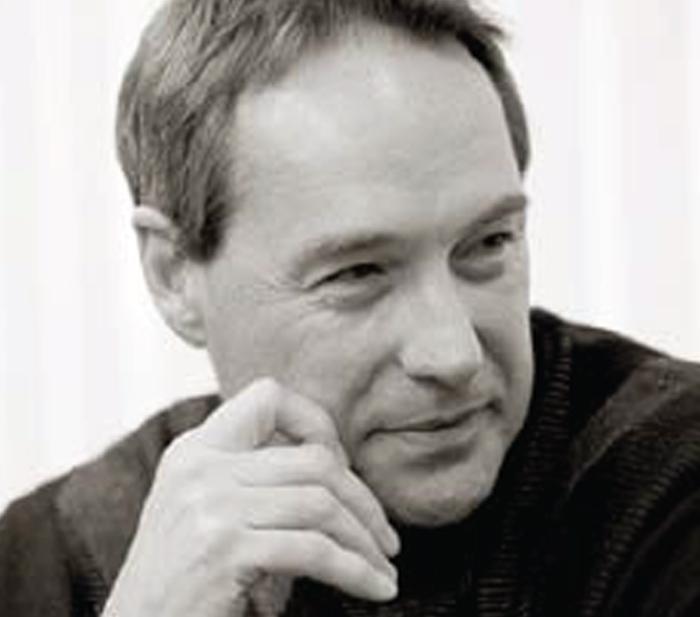 El Dr. Paul Robbins