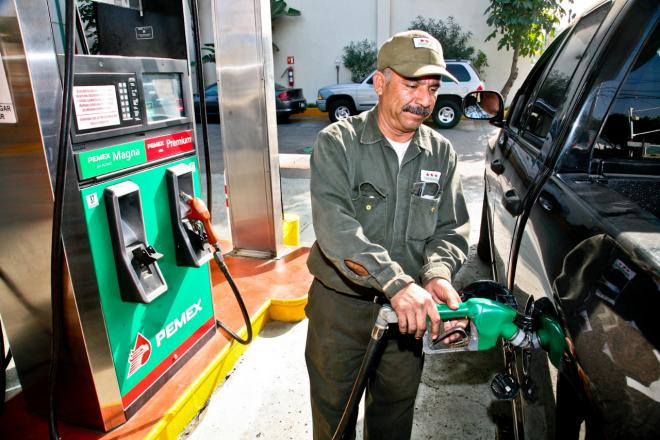 La mayoría de trabajadores de las gasolineras laboran sin contrato