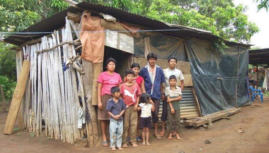Una familia mexicana necesita al menos 443 pesos diarios para sobrevivir