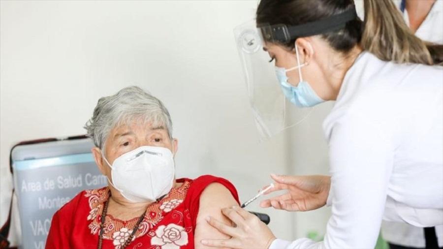 Con Personas Mayores inició Costa Rica la vacunación contra el COVID-19