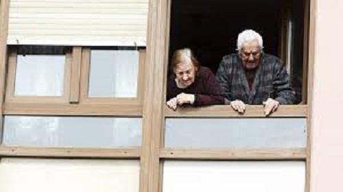La desigualdad, la pobreza, la pérdida de autonomía y la soledad, los mayores riesgos del envejecimiento