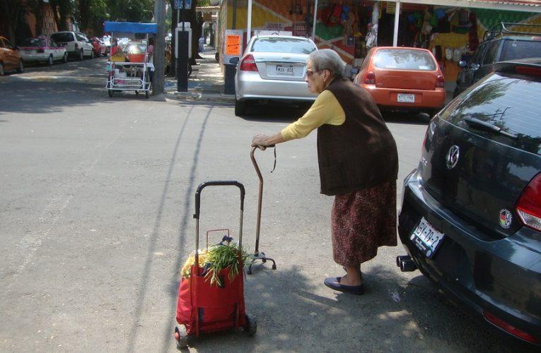 ¿Por qué se maltrata a las personas mayores?